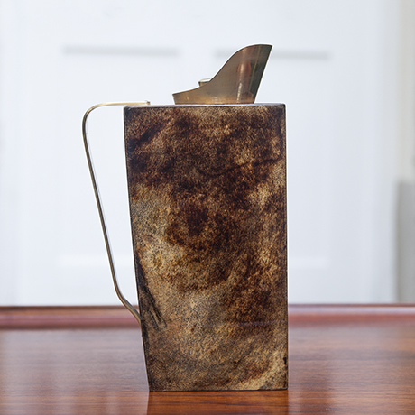 Aldo_Tura_pitcher_brown