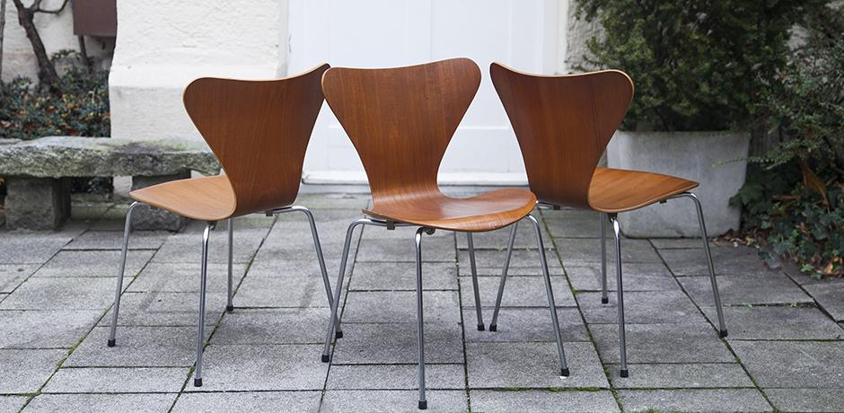 Arne_Jacobsen_teak_chairs_stools