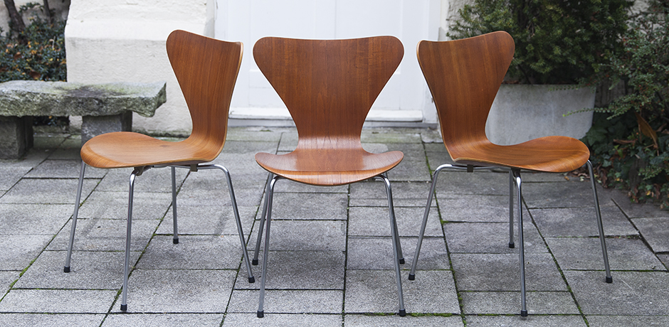 Arne_Jacobsen_wooden_chairs_Denmark
