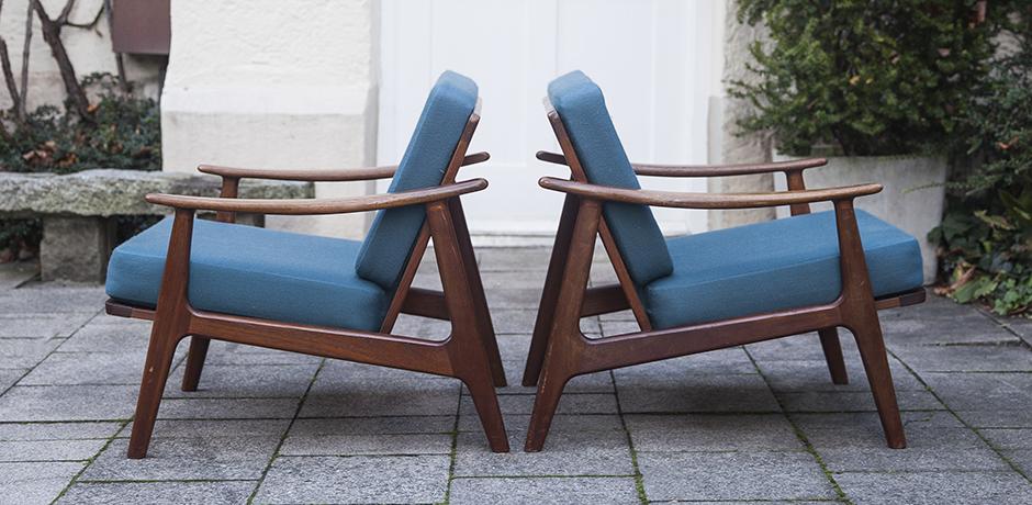 Grete_Jalk_wooden_chairs_blue
