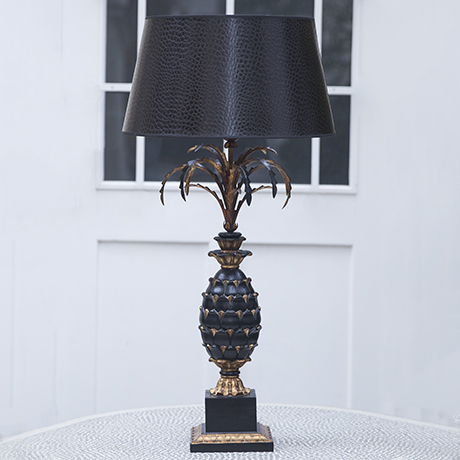 Hollywood_Regency_pineapple_table_lamp