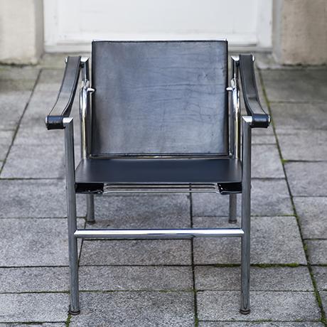 Le_Corbusier_Sessel_schwarz_leder