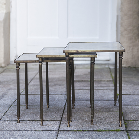 Maison_Baguees_nesting_tables_french