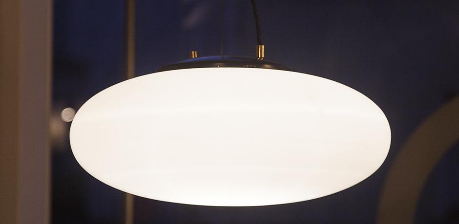 Stilnovo_white_glass_pendant_lamp