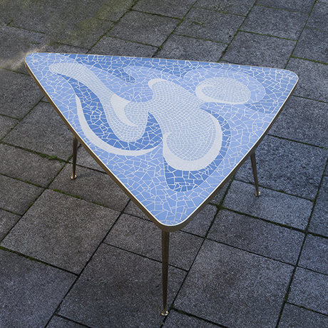 mosaic_table_blue_design_interior