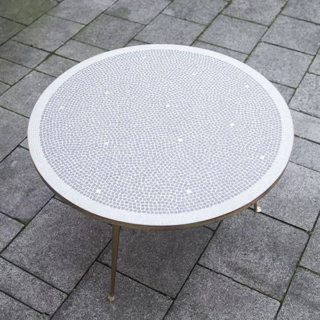 mosaic_table_white_grey