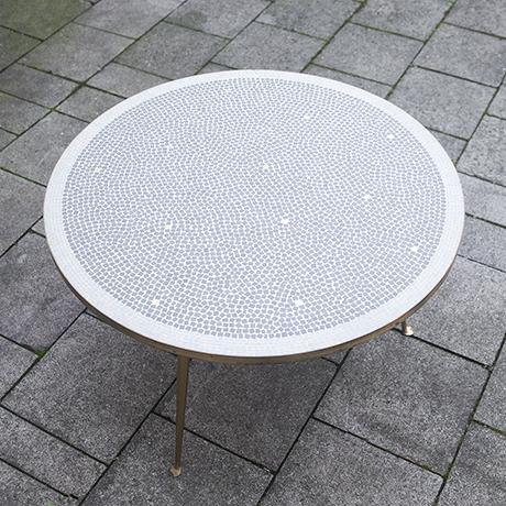 mosaic_table_white_grey