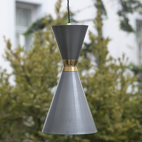 Stilnovo_pendant_lamp_grey_cone
