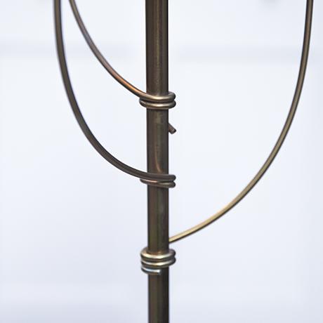 Artemide_table_lamp_golden_base