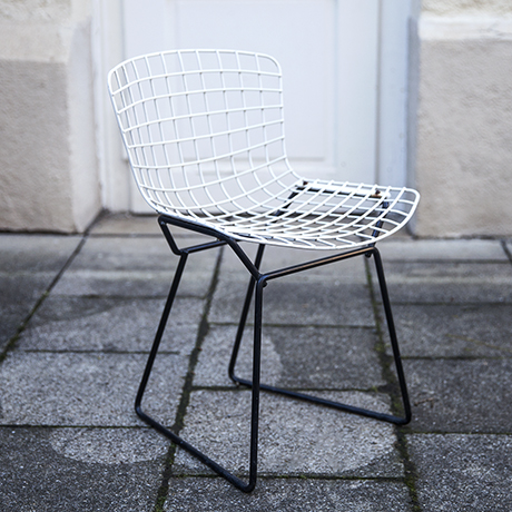 Harry_Bertoia_children_wire_chair