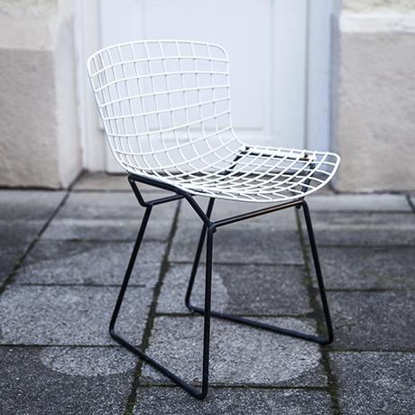 Harry_Bertoia_children_wire_chair