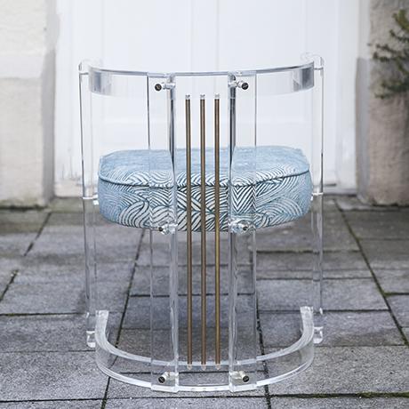 Hollywood_Regency_armchair_interior_design