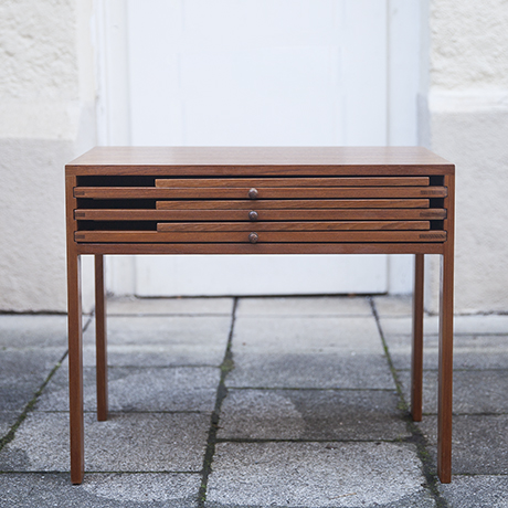 Wikkelso_teak_folding_table_Silkeborg