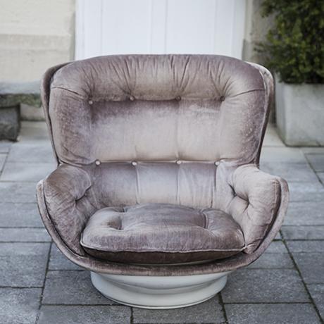 Michel_Cadestin_velvet_lounge_chair