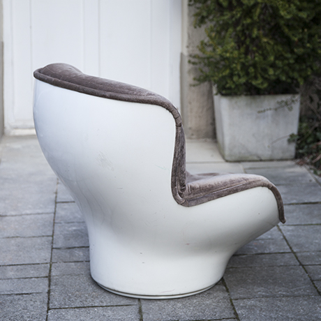 Cadestin_velvet_chair_interior_design