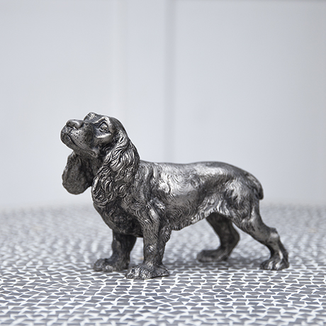Gucci_dog_sculpture_interior_design