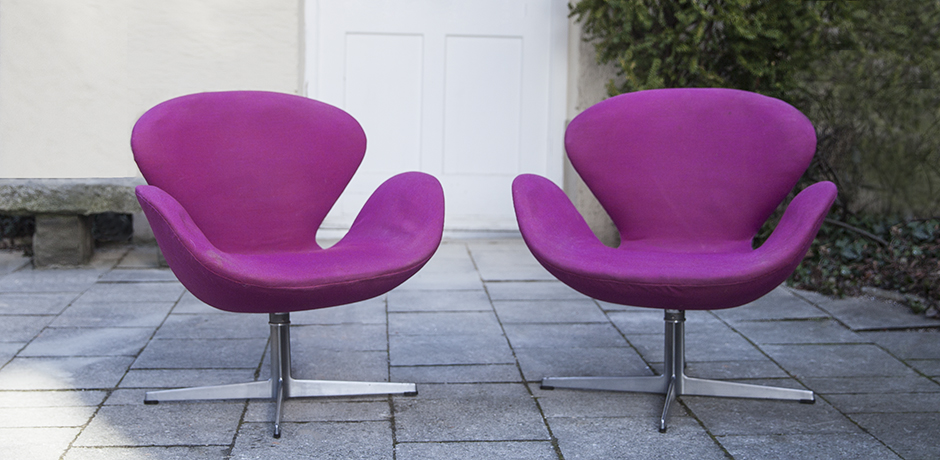 Jacobsen_lounge_chairs_pink_colorfull