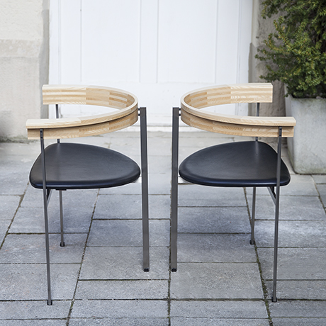 Kjaerholm_chair_stool_black_leather