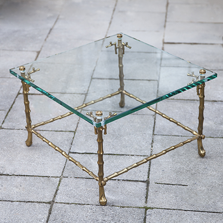 Maison_Bagues_faux_bamboo_table