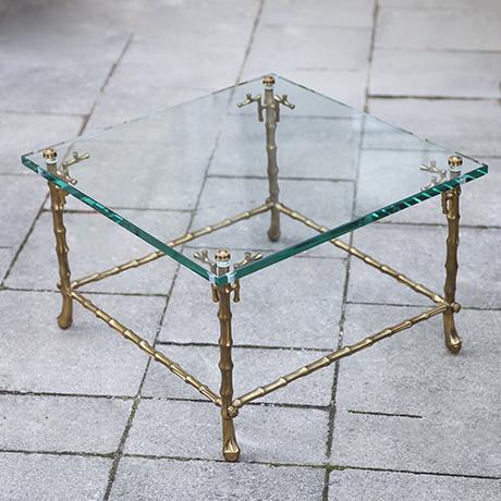 Maison_Bagues_faux_bamboo_table