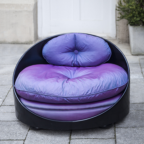 Sachs_chair_black_purple_cushions