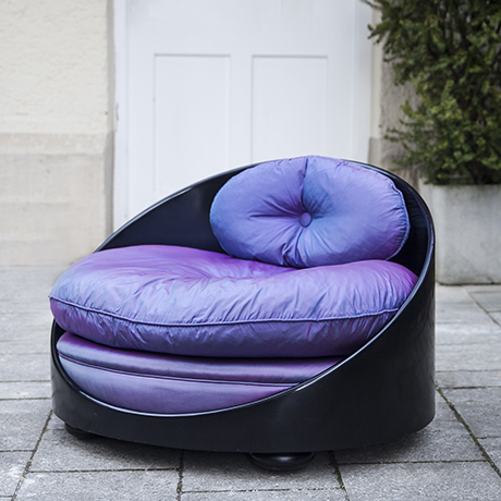 Rolf_Sachs_lounge_chair_violet