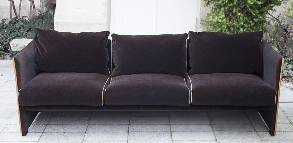 Cassina_Bellini_sofa_velvet_1