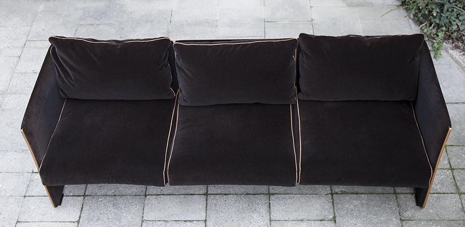 Cassina_Bellini_sofa_velvet_2