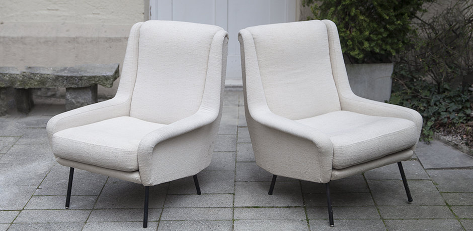 Fabric_armchairs_cream_2