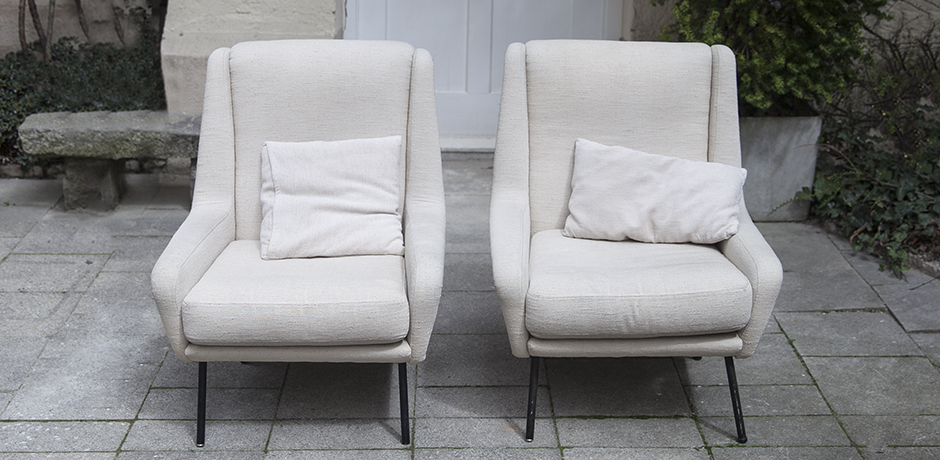 Fabric_armchairs_cream_3