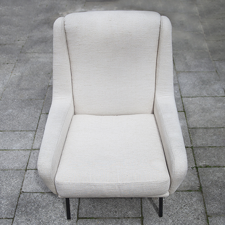 Fabric_armchairs_cream_6