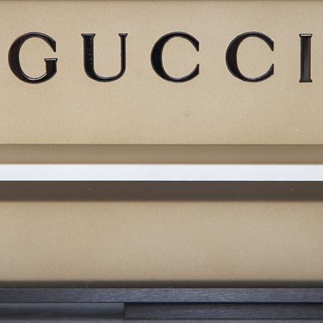 Gucci_stand_7