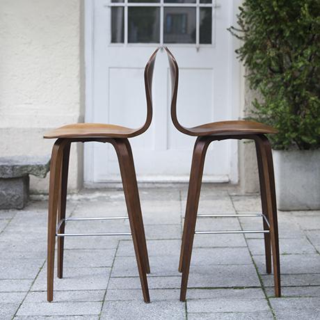 Norman Cherner Bar Stools Walnut Set Of 2 Schlicht Designmobel