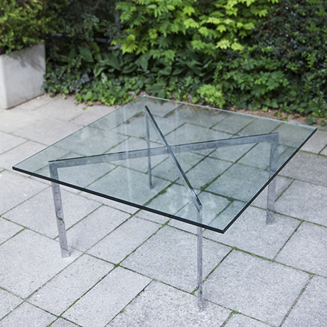 Knoll_International_glass_table