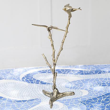 birds_tree_sculpture_golden_figure