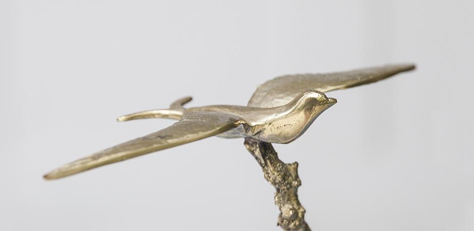 bird_tree_sculpture_golden_art