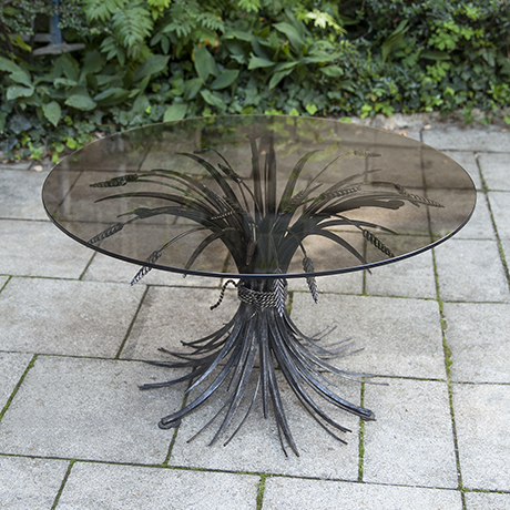 Chanel_coffee_table_black_metal
