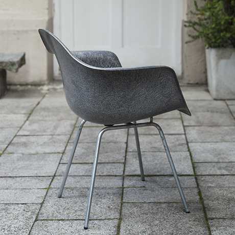 Eames_armchair_elephant_grey_5