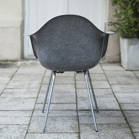 Eames_armchair_elephant_grey_6