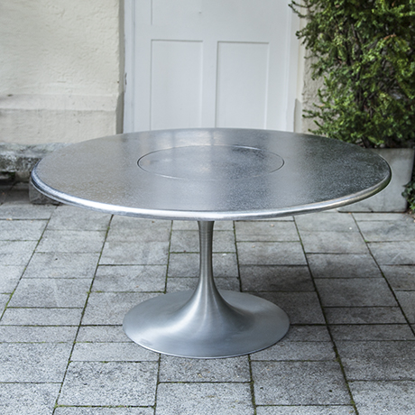 Lilienthal_tulip_dining_table_1