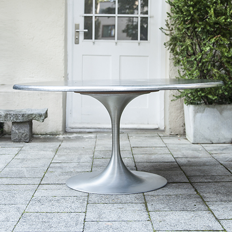 Lilienthal_tulip_dining_table_2