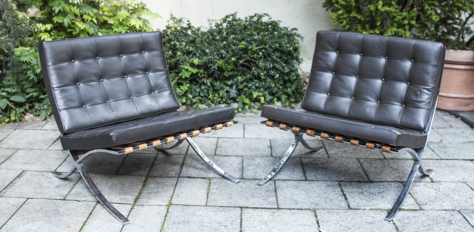 Mies_van_der_Rohe_lounge_chairs_leather_1