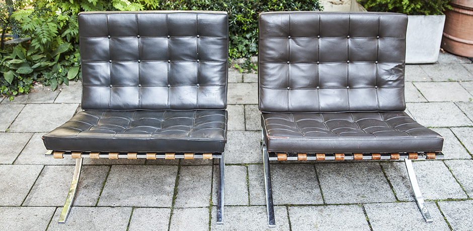 Mies_van_der_Rohe_lounge_chairs_leather_2