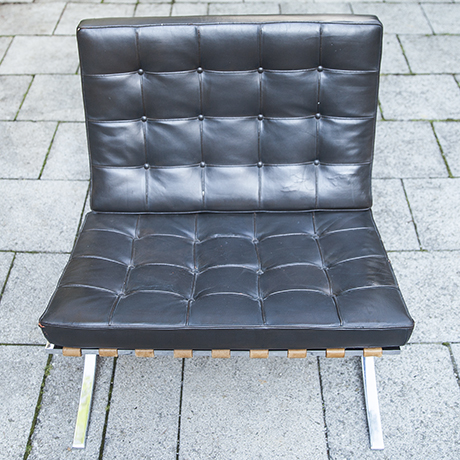 Mies_van_der_Rohe_lounge_chairs_leather_5