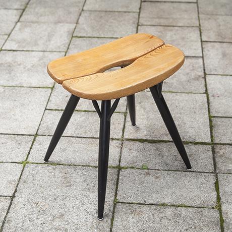 Schlichtes DesignTapiovara_Prikka_stool_1