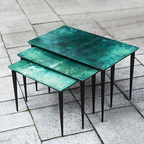 Schlichtes DesignAldo_Tura_nesting_tables_green