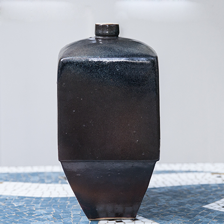 Asshoff_vase_ceramic_brown_squared