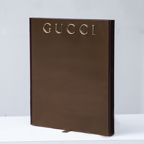 Gucci_advertising_display_stand_1
