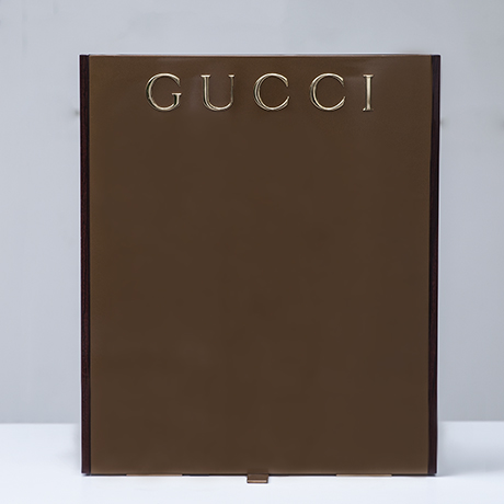 Gucci_advertising_display_stand_2
