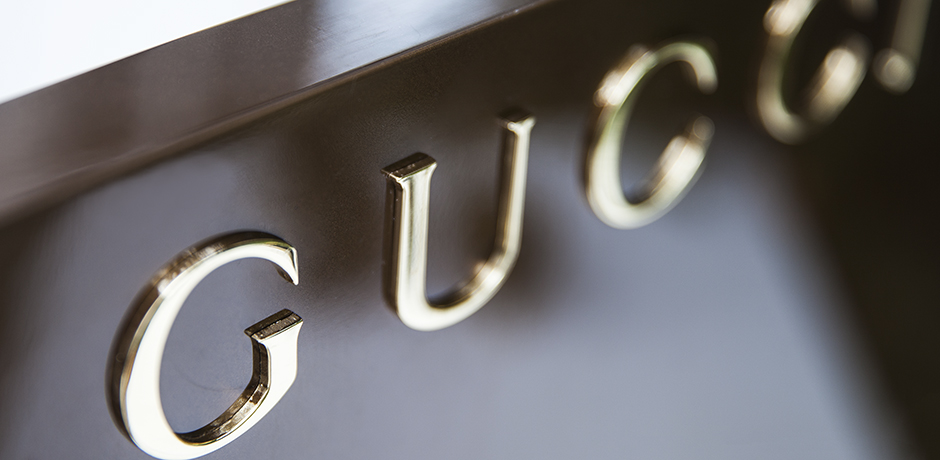 Gucci_advertising_display_stand_7